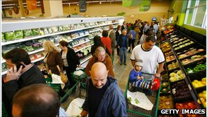 Shoppers in Fresh and Easy