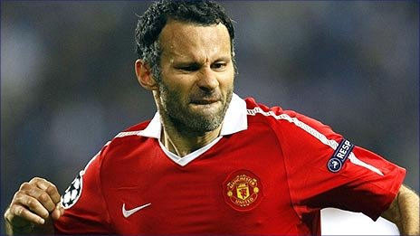 Ryan Giggs celebrates putting Man United ahead