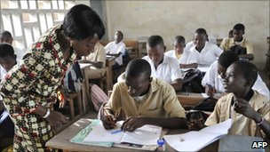 Students attend class on 26 April 2011 in the Koumassi neighbourhood of Abidjan