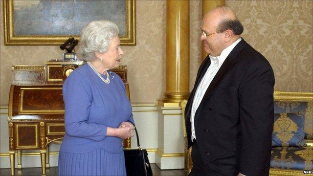 Dr Sami Khiyami meeting the Queen