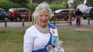 Look-a-like of The Queen at Bucklebury in Berkshire