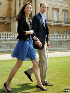 Prince William shows how a tall man can wear chinos. Photo (C) AFP