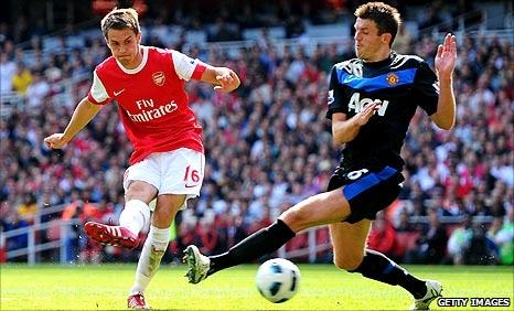 Aaron Ramsey scores Arsenal's goal