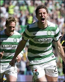 Kris Commons and Daryl Murphy celebrate