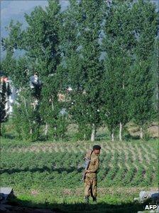 Pakistan soldier guarding Bin Laden's hideout