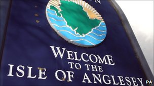 Welcome to the Isle of Anglesey sign