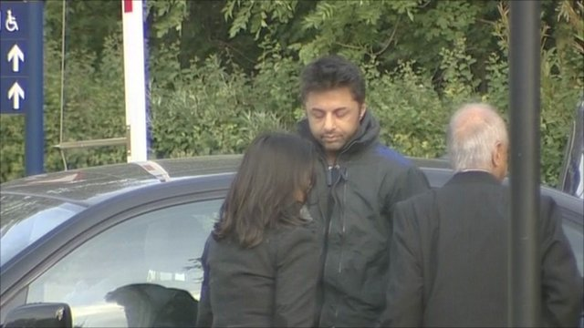 Shrien Dewani arriving at extradition hearing