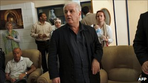 Daniel Barenboim at the Rafah crossing (3 May 2011)