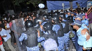 Clash in the Maldives on 2 May 2011