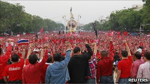Red-shirts protesting in Bangkok on 10 April 2011