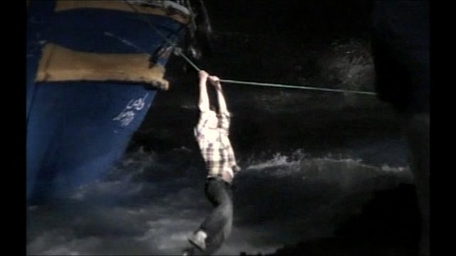 Migrant flees wrecked boat