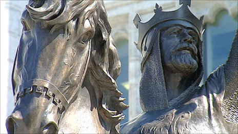 Robert the Bruce statue
