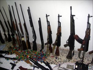 Photo released by the Syrian official news agency allegedly showing weapons that were confiscated by armed forces from terrorist groups in Baniyas (8 May 2011)