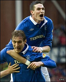 Nikica Jelavic and Kyle Lafferty celebrate against Dundee United