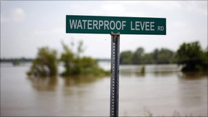 Sign in Waterproof, Louisiana, 12 May 2011