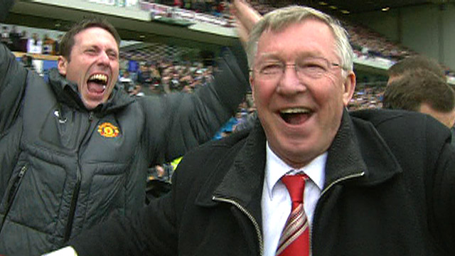 Sir Alex Ferguson leads Man Utd celebrations