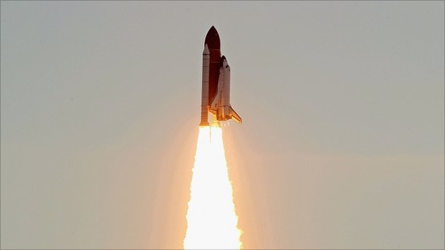Space shuttle Endeavour launches (Getty Images)