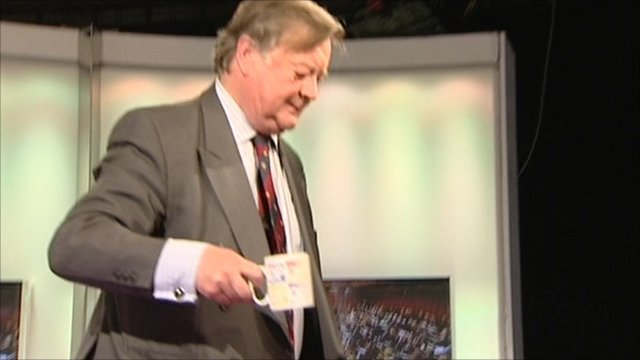 Ken Clarke leaves Daily Politics set