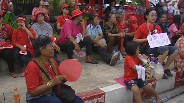 Red-shirt campaigners