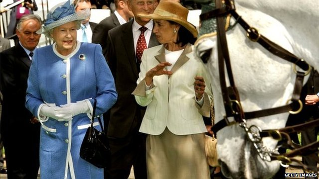 Queen tours Irish National Stud