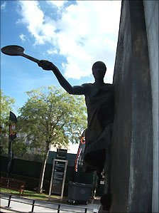 Statue of legend Suzanne Lenglen at Roland Garros