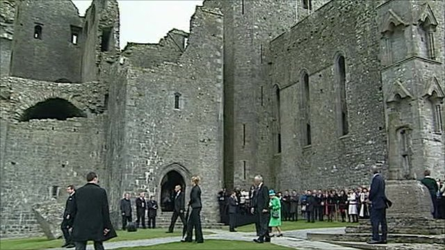 The Queen at the Rock of Cashel