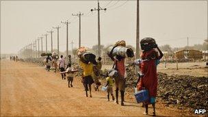Civilians fleeing Abyei in Sudan