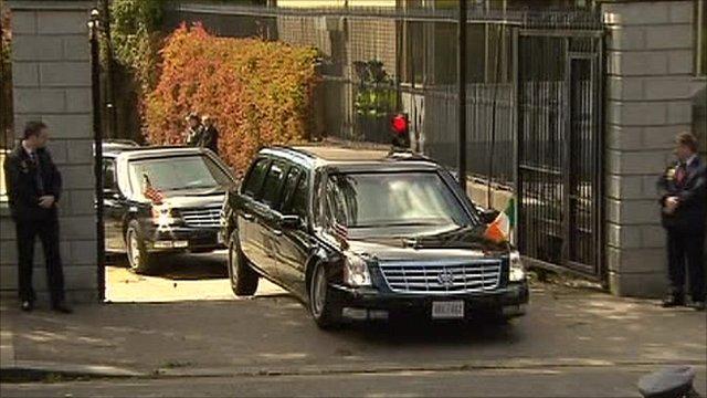 barack obama 39 s car nicknamed the beast gets stuck bbc news. Black Bedroom Furniture Sets. Home Design Ideas