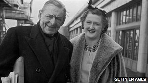 TS Eliot and second wife, Valerie, in 1961