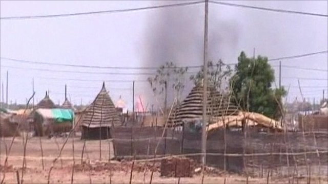 Burning buildings in Abyei