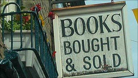 Hay-on-Wye bookshop sign