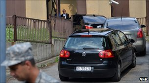 A convoy carrying Ratko Mladic arrives at a court in Belgrade, 26 May 2011