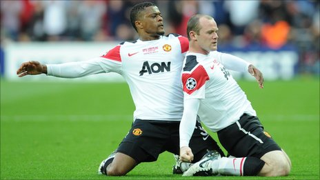 Wayne Rooney (right) celebrates after scoring for Man Utd