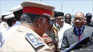 Jacob Zuma arrives at Tripoli's airport (30 May 2011)