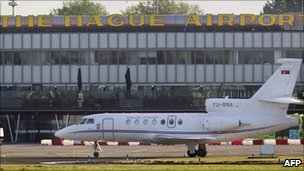 Serbian government jet carrying Ratko Mladic touches down at Rotterdam The Hague Airport (31 May 2011)