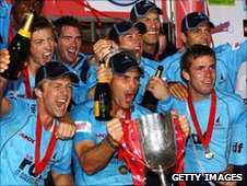 Sussex players celebrate winning the Twenty20 Cup in 2009