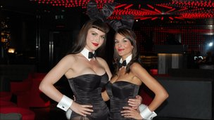 Croupier Bunnies Sara (l) and Teresa