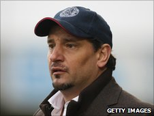 Aldershot manager Dean Holdsworth