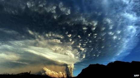 A cloud of ash billowing from Puyehue volcano near Osorno in southern Chile, 870 km south of Santiago, on June 5, 2011