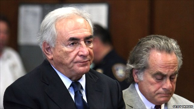 Dominique Strauss-Kahn (l) and his lawyer Benjamin Brafman (r)