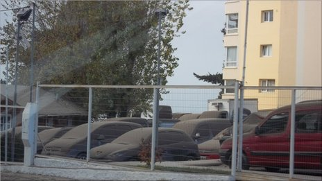 Ash covers cars in Bariloche. Photo: Andrea Duprez