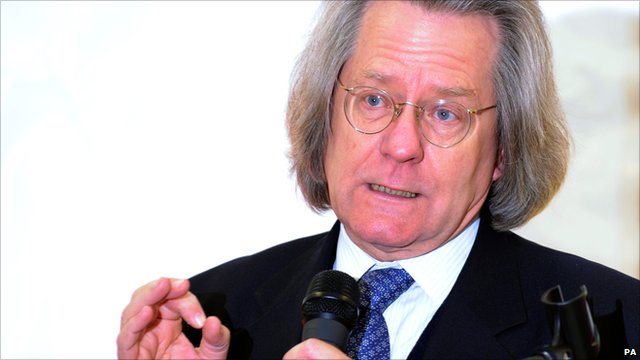 Philosopher AC Grayling speaking in 2009 in Kensington Gardens, London