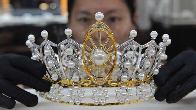 A $620,000 tiara on display in a Beijing jewellery store