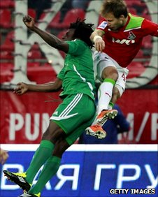Herve Zengue (L) playing for Terek Grozny