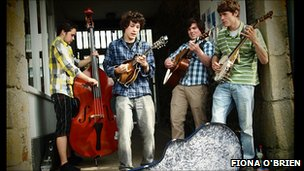 Flats and Sharps busking in Penzance