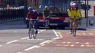 Cyclists on Blackfriars Bridge