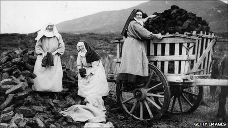 Digging for peat in Ireland, 1936