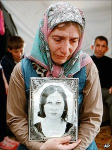 Mother of victim Elza Kungayeva - 2001 file photo