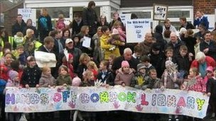 Dordon Library protest by Gill Brierley