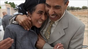 Fedia Hamdi is released from prison in Sidi Bouzid, Tunisia (20 April 2011)